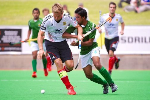 Shafqat Rasool of Pakistan scored their second goal (curry post)