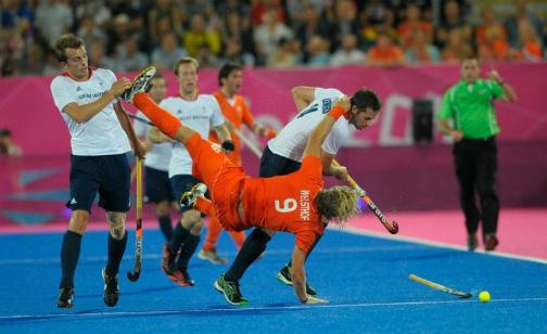 10 best field hockey pictures, #7 - If I go down, you're going with me